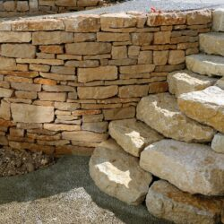 Trockensteinmauer Burgunderkalk
